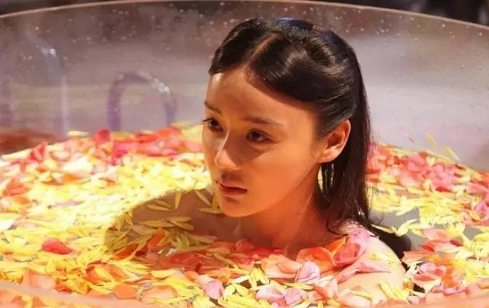 드디어 밝혀진 '김 모락모락' 여배우 목욕신의 비밀