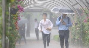 내일 날씨, 전국 구름 많은 가운데 '소나기'…불볕 더위 계속