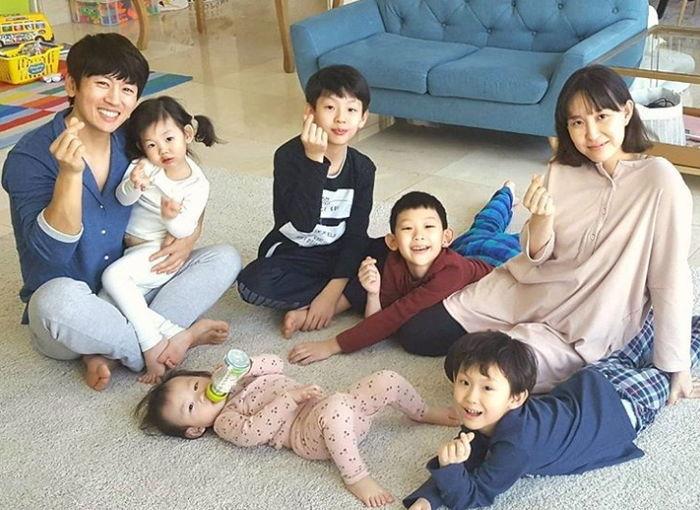 엄마보다 아이들 더 잘보는 연예계 '다둥이' 아빠 6인 - 인사이트