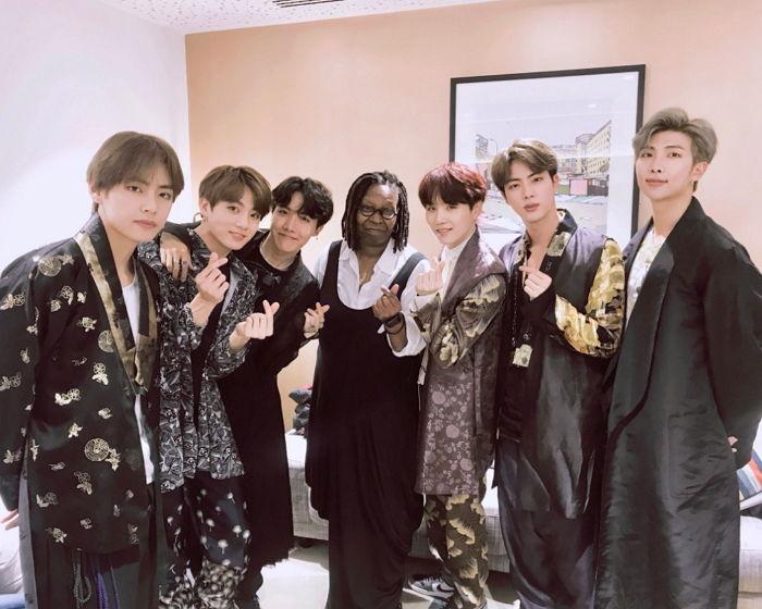 방탄소년단, 영국 간판 토크쇼에 '한복'입고 출연해 '한국 문화' 알린다 - 인사이트