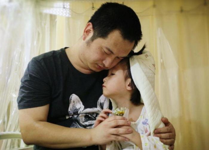 아빠랑 결혼이 꿈인 백혈병 앓는 딸에게 매일 프러포즈