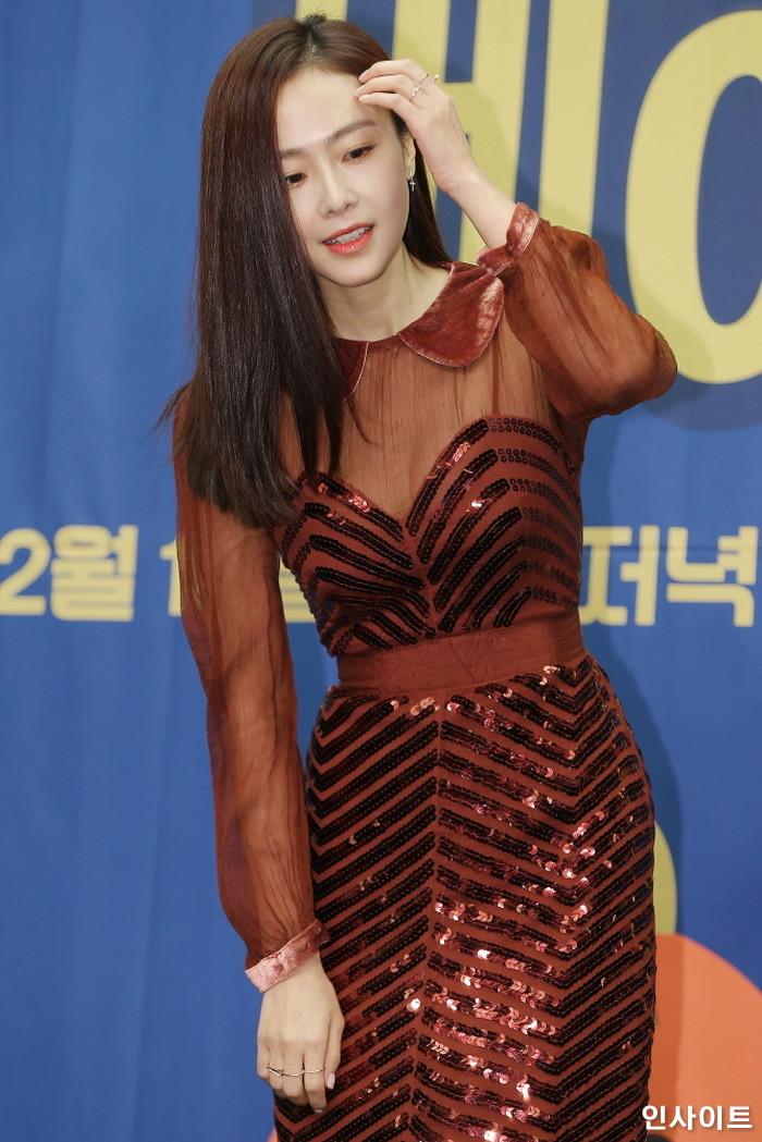 배우 홍수현이 6일 오후 서울 마포구 스탠포드호텔에서 열린 tvN 예능 '서울메이트2' 제작발표회에 참석해 포즈를 취하고 있다. / 사진=박찬하 기자 chanha@