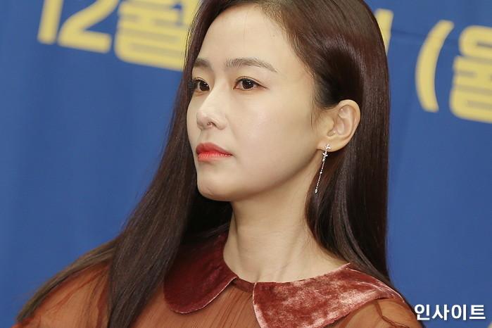 배우 홍수현이 6일 오후 서울 마포구 스탠포드호텔에서 열린 tvN 예능 '서울메이트2' 제작발표회에 임하고 있다. / 사진=박찬하 기자 chanha@