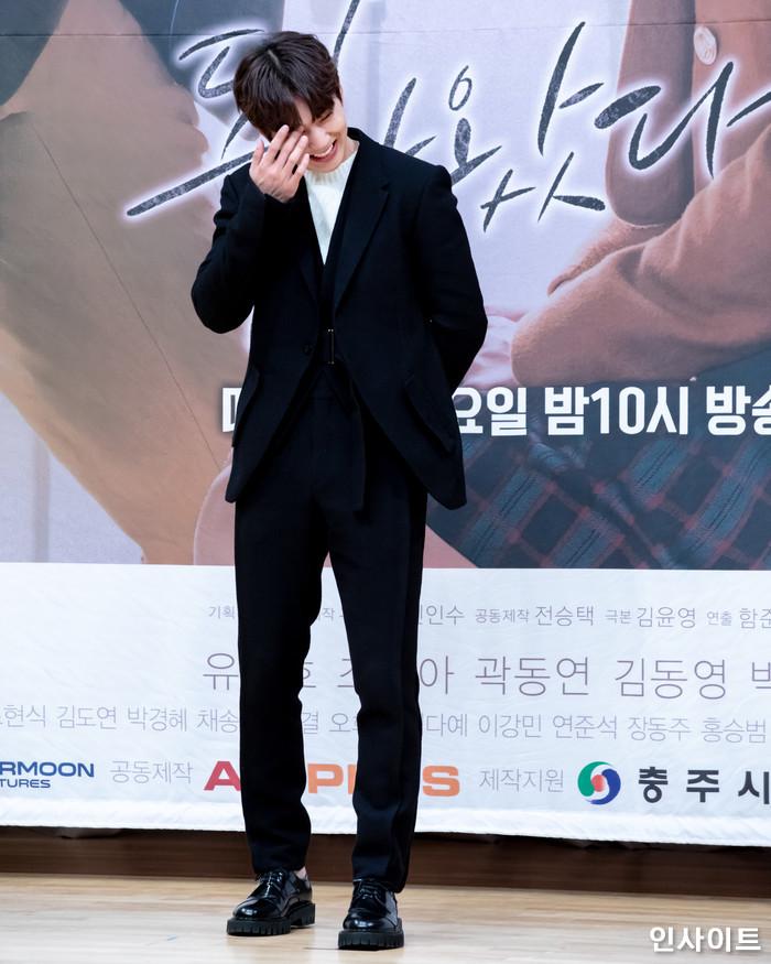 배우 유승호가 7일 오후 서울 목동 SBS에서 열린 새 월화드라마 '복수가 돌아왔다' 제작발표회에 참석해 포즈를 취하고 있다. / 사진=고대현 기자 daehyun@