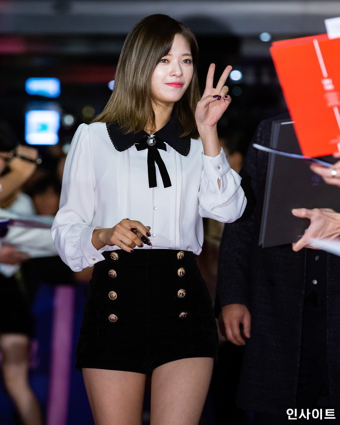 트와이스 정연이 6일 오후 서울 용산CGV 아이파크몰에서 열린 영화 '트와이스랜드' 언론시사회에 참석해 레드카펫을 밟고 있다. / 사진=고대현 기자 daehyun@