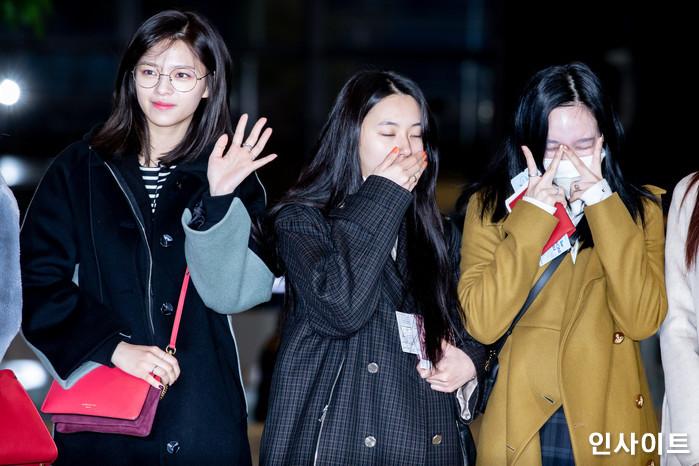 트와이스 정연 채영 나연이 11일 오전 '2018 MAMA(마마) FANS' CHOICE in JAPAN' 참석 차 김포국제공항을 통해 일본으로 출국 하고 있다. / 사진=고대현 기자 daehyun@