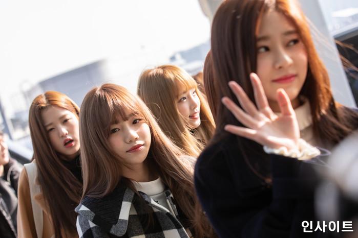 아이즈원 장원영, 조유리, 최예나, 김민주가 13일 오전 '2018 MAMA (마마) Mnet Asian Music Awards FANS' CHOICE in HONGKONG'에 참석 차 인천국제공항 제2여객터미널을 통해 출국 하고 있다. / 사진=고대현 기자 daehyun@