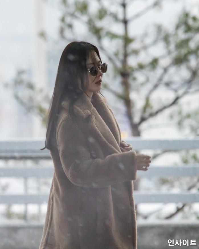 배우 서현진이 13일 오전 '2018 MAMA (마마) Mnet Asian Music Awards FANS' CHOICE in HONGKONG'에 참석 차 인천국제공항 제2여객터미널을 통해 출국 하고 있다. / 사진=고대현 기자 daehyun@