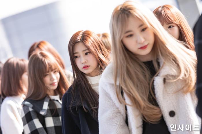 아이즈원 조유리 김민주 이채연이 13일 오전 '2018 MAMA (마마) Mnet Asian Music Awards FANS' CHOICE in HONGKONG'에 참석 차 인천국제공항 제2여객터미널을 통해 출국 하고 있다. / 사진=고대현 기자 daehyun@