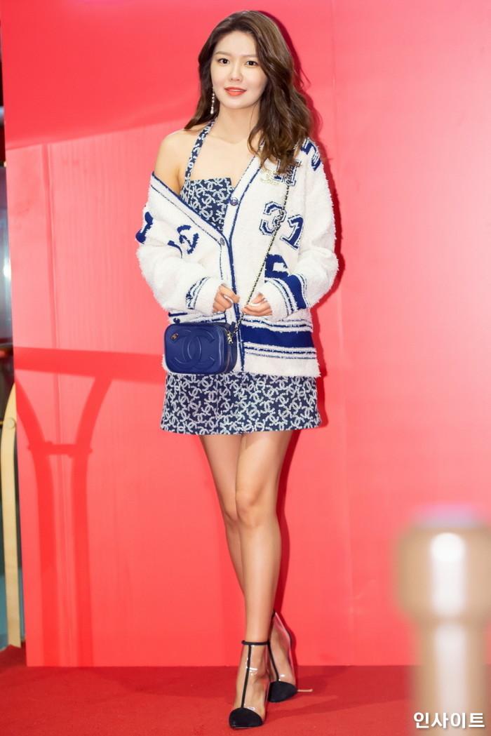소녀시대 수영이 21일 오전 서울 중구 롯데면세점 명동본점에서 열린 한 화장품 브랜드 행사에 참석하고 있다. / 사진=박찬하 기자 chanha@