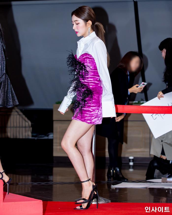 레드벨벳 아이린이 28일 오후 서울 여의도 KBS홀에서 열린 '2018 KBS 가요대축제' 시상식에 참석해 레드카펫을 밟고 있다. / 사진=고대현 기자 daehyun@