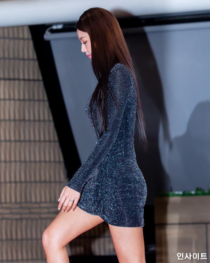 AOA 설현이 28일 오후 서울 여의도 KBS홀에서 열린 '2018 KBS 가요대축제' 시상식에 참석해 레드카펫을 밟고 있다. / 사진=고대현 기자 daehyun@