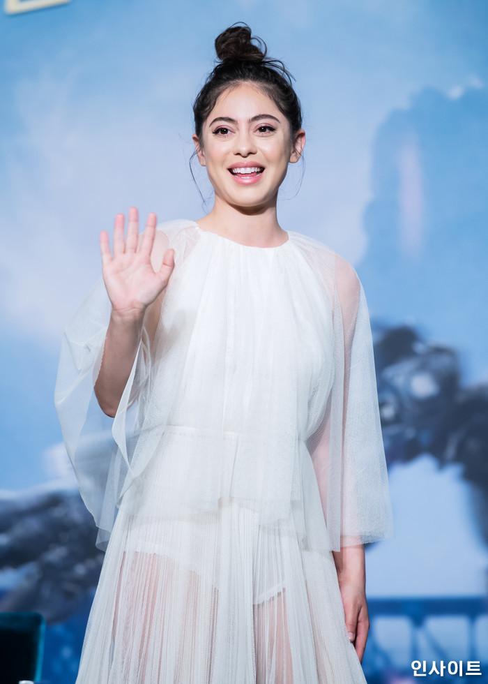 로사 살라자르가 24일 오전 서울 여의도 콘래드호텔서 열린 영화 '알리타 : 배틀엔젤' 내한 기자간담회에 참석해 포즈를 취하고 있다. / 사진=고대현 기자 daehyun@