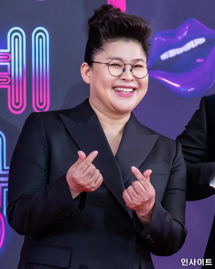 이영자가 22일 오후 서울 영등포구 여의도동 KBS 본관 시청자광장에서 열린 '2018 KBS 연예대상' 시상식에 참석해 레드카펫을 밟고 있다. / 사진=고대현 기자 daehyun@