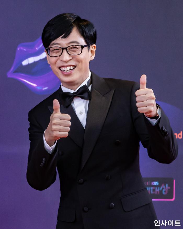 국민MC 유재석이 22일 오후 서울 영등포구 여의도동 KBS 본관 시청자광장에서 열린 '2018 KBS 연예대상' 시상식에 참석해 레드카펫을 밟고 있다. / 사진=고대현 기자 daehyun@